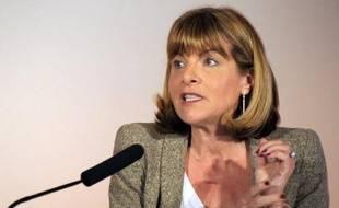 L'ex-patronne d'Areva, Anne Lauvergeon a été entendue mercredi par la police suite à sa plainte visant indirectement le groupe nucléaire, pour des écoutes illégales présumées à l'encontre de son mari Olivier Fric, a-t-on appris de source proche du dossier.