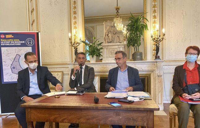 De gauche à droite, Patrick Dehail, Olivier Serre, Pierre Hurmic et Sylvie Justomen le 28 août 2020 à la mairie de Bordeaux.