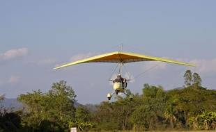 Un ULM en phase d'atterrissage - Illustration.