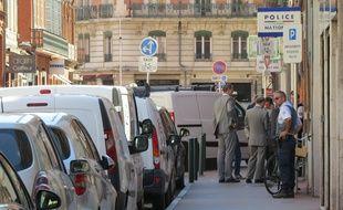 La rue du Rempart Saint-Etienne à Toulouse, après l'agression d'un policier au couteau, le 30 août 2016.