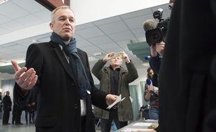 François de Rugy votant pour le premier tour de la primaire à gauche, le 22 janvier 2017, à Nantes.