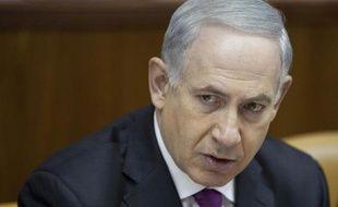 """Le Premier ministre israélien Benjamin Netanyahu a affirmé samedi que la reprise des négociations avec les Palestiniens est dans l'intérêt """"vital"""" d'Israël, au lendemain de l'annonce par le secrétaire d'État américain John Kerry d'un accord en ce sens."""
