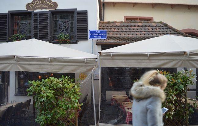 Mais il est en fait impossible de renommer les noms des rues du centre-ville historique à Strasbourg.