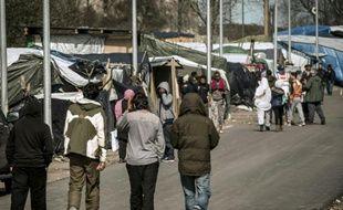 Des migrants dans la Jungle de Calais, le 30 mars 2016