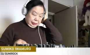 Semiko Iwamuro, 82 ans, est DJ à Tokyo