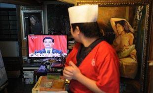 Véritable testament politique, le discours du président Hu Jintao à l'ouverture jeudi du congrès du PC chinois (PCC) a livré à son successeur Xi Jinping une feuille de route inédite: s'il ne combat pas la corruption qui ronge le parti unique, a-t-il prévenu, c'est le régime tout entier qui s'effondrera. Mais sans lui fournir la moindre solution, selon les analystes.