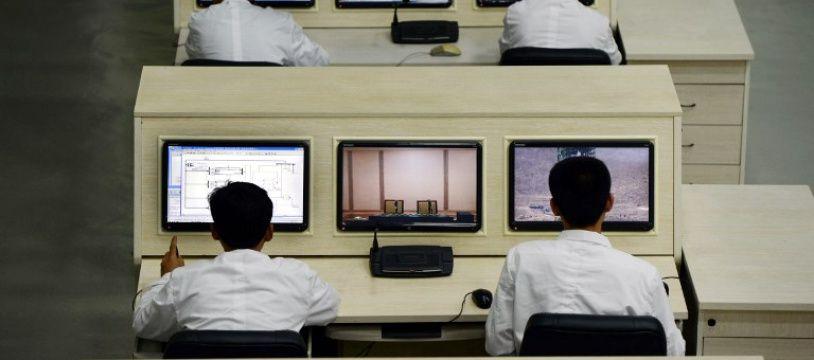 Des techniciens nord-coréens, qui n'utilisent probablement pas Bing.