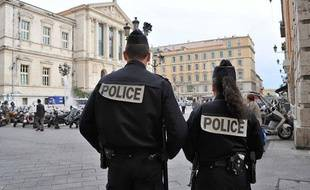 L'expérimentation  des Patrouilleurs de la Police francaise à Nice, afin de créer un sentiment de securité et de proximité pour les riverains, le 2 mai 2011.