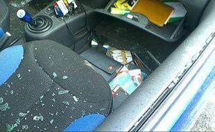 Illustration d'une voiture, victime d'un vol à la roulotte.
