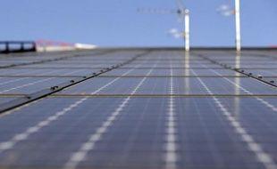 La CFDT du groupe Bosch a demandé que la reprise des activités photovoltaïques de Bosch à Vénissieux (Rhône) par le breton Sillia Energie, qui doit intervenir en avril, s'accompagne d'un engagement de l'industriel allemand à soutenir pendant cinq ans l'activité de la nouvelle entité.