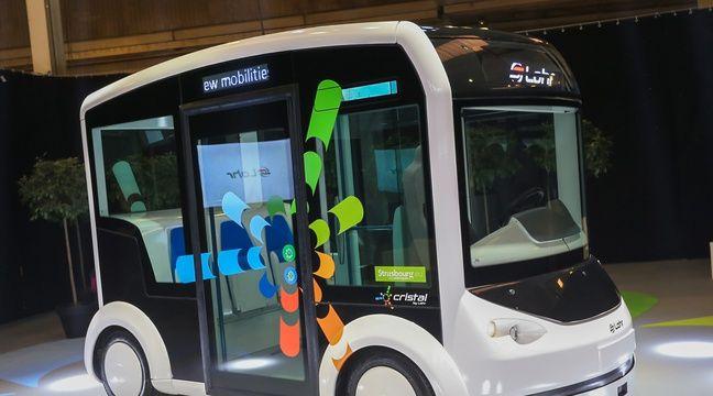 video strasbourg une voiture lectrique 100 connect e et qui peut se transformer en petit train. Black Bedroom Furniture Sets. Home Design Ideas