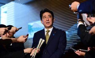 Le Premier ministre japonais Shinzo Abe s'adresse aux journalistes le 8 septembre 2015 à Tokyo