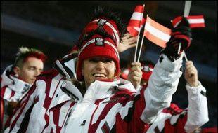 L'opération antidopage menée samedi à San Sicario (Italie) sur 10 athlètes autrichiens, a été dirigée entièrement par le Comité international olympique, qui avait des informations sur la présence sur place de Walter Mayer, ex-entraîneur interdit de JO jusqu'en 2010.