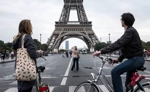 Paris à vélo lors de la Journée sans voiture, le 25 septembre 2016.