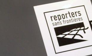 Partout dans le monde, même dans des pays démocratiques comme les Etats-Unis, la France ou l'Italie, le travail des journalistes a été mis à mal en 2011, année des révolutions arabes et de contestations, montre Reporters sans frontières dans une étude.