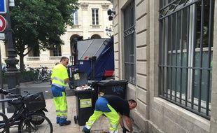 Un camion poubelle d'une société privée a assuré le ramassage ce mercredi.