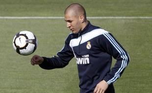 L'attaquant du Real Madrid, Karim Benzema, lors d'un entraînement le 22 avril 2010.