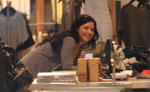 Demi Lovato à Los Angeles, en séance shopping le 16 mars 2011