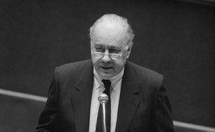 Robert Pandraud à l'Assemblée nationale en 1986.