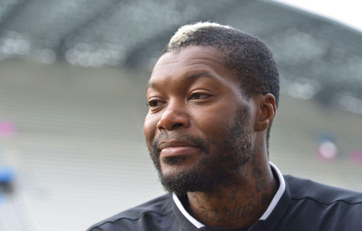 Djibril Cissé, opéré de la hanche avec succès, se verrait bien tenter une dernière expérience en Ligue 1 en 2016.  – HARSIN ISABELLE/SIPA