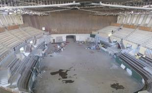 Bordeaux, le 10 mars 2015. Visite du palais des sports en pleine rénovation. Vue d'ensemble avant l'installation de la tribune escamotable.