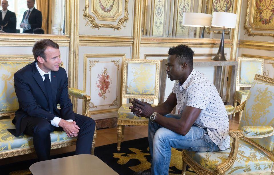 Enfant sauvé à Paris: Il va être «naturalisé français» et intégrer les pompiers 960x614_mamoudou-gassama-malien-sauve-enfant-samedi-paris-va-etre-naturalise-francais