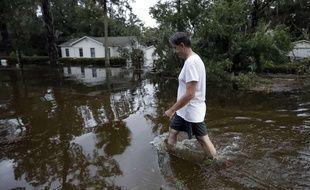 Les rues de St Marks, en Floride, ont été inondées par le passage de l'ouragan Michael, le 10 octobre 2018.