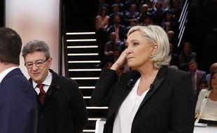 Jean-Luc Mélenchon et Marine Le Pen avant le débat télévisé à cinq du 20 mars 2017.