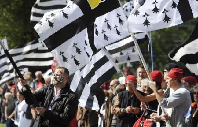 Réunification de la Bretagne: Cent cinquante élus réclament la tenue d'un référendum