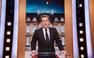 Nicolas Sarkozy a proposé lundi la création d'un impôt appliqué aux revenus du capital des exilés fiscaux, les forçant à s'acquitter auprès du fisc français de la différence entre l'impôt payé à l'étranger et ce qu'ils auraient eu à verser en France.