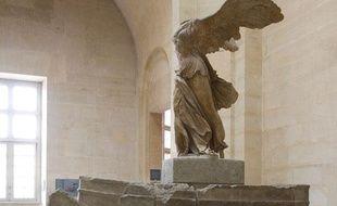 La Victoire de Samothrace, exposé au musée du Louvre, à Paris