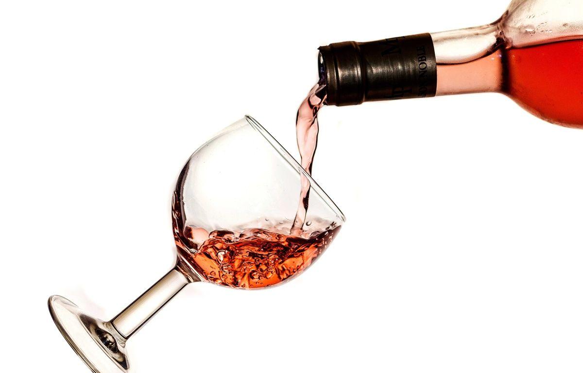 Illustration d'une bouteille de vin rosé. – BARON ALAIN/SIPA