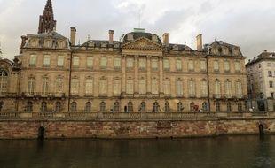 Strasbourg, le 14 septembre 2015 - Le Palais Rohan vu depuis le quai des Bateliers à Strasbourg.