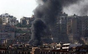A 17H00 locales (14H00 GMT), selon un correspondant de l'AFP, les tirs se sont calmés à Bab al-Tebbaneh, Jabal Mohsen et al-Qobbé, quartiers populaires de Tripoli, la grande ville du nord, où des heurts ont opposé des sunnites partisans de la majorité antisyrienne à des Alaouites, une branche du chiisme, fidèles au Hezbollah, fer de lance de l'opposition proche de Damas et Téhéran.
