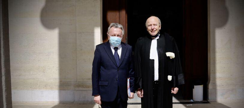 Jean-Noel Guérini et son avocat Dominique Mattei au tribunal de Marseille, pour son procès pour «prise illégale d'intérêts».