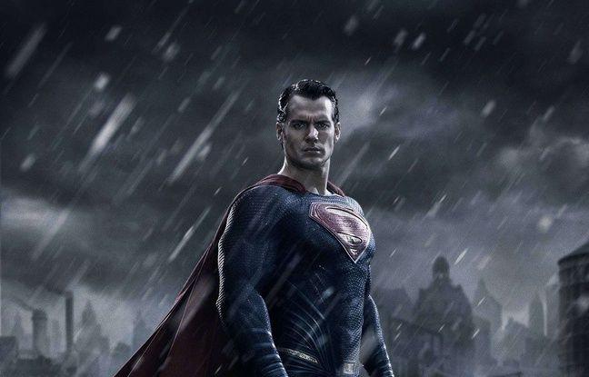Henry Cavill dans Batman v Superman: L'aube de la justice.
