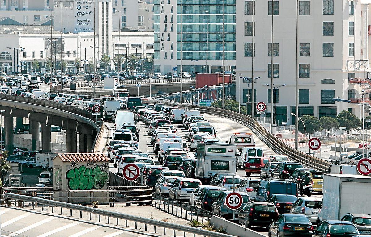 Selon Réseau ferré de France, les automobilistes perdent 10 jours par an dans les bouchons entre Marseille et Aix.  – P. Magnien / 20 Minutes