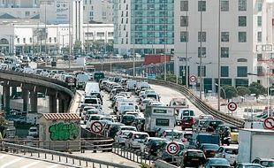 Selon Réseau ferré de France, les automobilistes perdent 10 jours par an dans les bouchons entre Marseille et Aix.