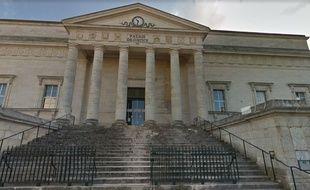 Le tribunal d'Angoulême a condamné lancien banquier à dix huit mois de prison avec sursis.