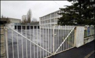 Les deux jeunes hommes de 23 et 18 ans qui avaient agressé deux institutrices, lundi à Châlons-en-Champagne, ont été condamnés mercredi par le tribunal correctionnel de la ville à respectivement 7 mois de prison ferme et 6 mois dont 5 avec sursis.