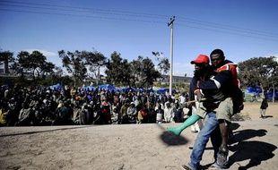 Des réfugiés en attente d'évacuation dans la ville de Misrata, en Libye, le 31mars 2011.