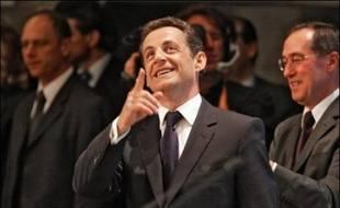 Le président élu Nicolas Sarkozy rencontre ce jeudi les parlementaires UMP à 08H30 à l'Assemblée nationale.