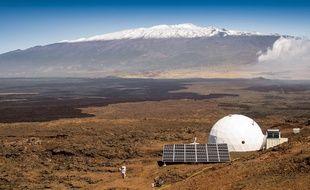 Les six volontaires se sont isolés pendant un an à Hawaii afin de récolter des informations utiles pour envoyer des astronautes sur Mars.