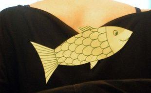 Un poisson d'avril dans le dos de quelqu'un.