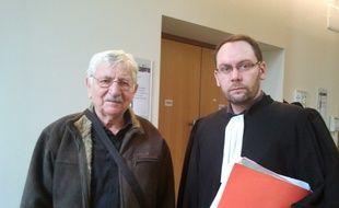 Jean Mercier, accusé d'avoir aidé sa femme à mourir, et son avocat Mickaël Boulay.