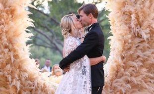 L'actrice Kaley Cuoco le jour de son mariage avec Karl Cook