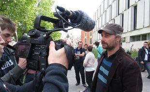 A Lille, le 9 juin 21015 - Proces de deux membres du collectif antipub des Deboulonneurs, au tribunal de Lille. Ici, Alessandro Di Giuseppe