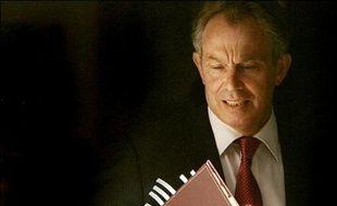 L'Ecosse pourrait jeudi se donner un Premier ministre indépendantiste, à l'issue d'élections régionales et locales qui se tiennent aussi en Angleterre et au Pays de Galles et devraient voir un peu partout le recul des travaillistes de Tony Blair.