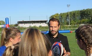 Frédéric Michalak est venu défendre la candidature de la France à l'organisation de la Coupe du monde de rugby 2023, le 11 octobre 2017 à Toulouse.