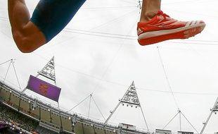 Benjamin Compaoré lors des qualifications du triple saut, aux JO de Londres.
